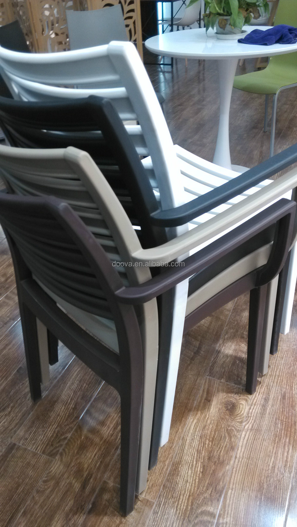 modern popular pp plastic chair with arms.jpg