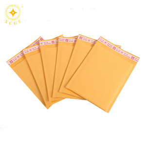 Customized design color kraft bubble mailer / mailing bag / mailer