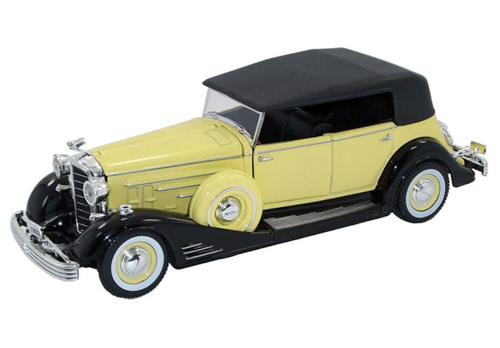 1933 Cadillac Series 452c Fleetwood Phaeton Yellow 1/32 by Signature Models 32367