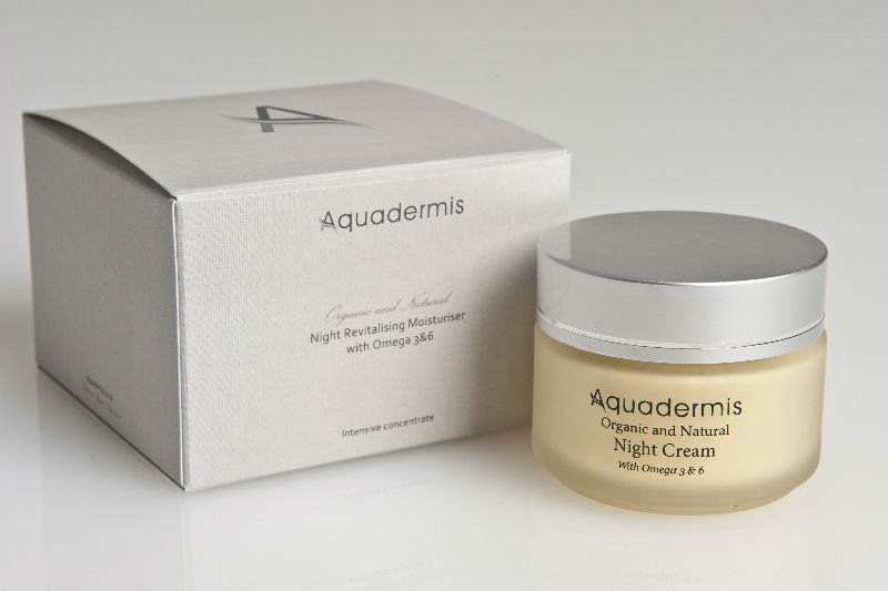 100% ORGANIC NIGHT REVITALISING MOISTURISER WITH OMEGA 3,6&9