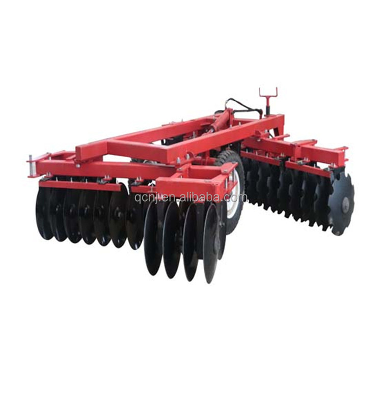 The IBJ- 4.4 type 40 disc harrow harrow rakes to rake the soil rake