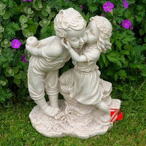 resin boy and girl statue for garden decoration
