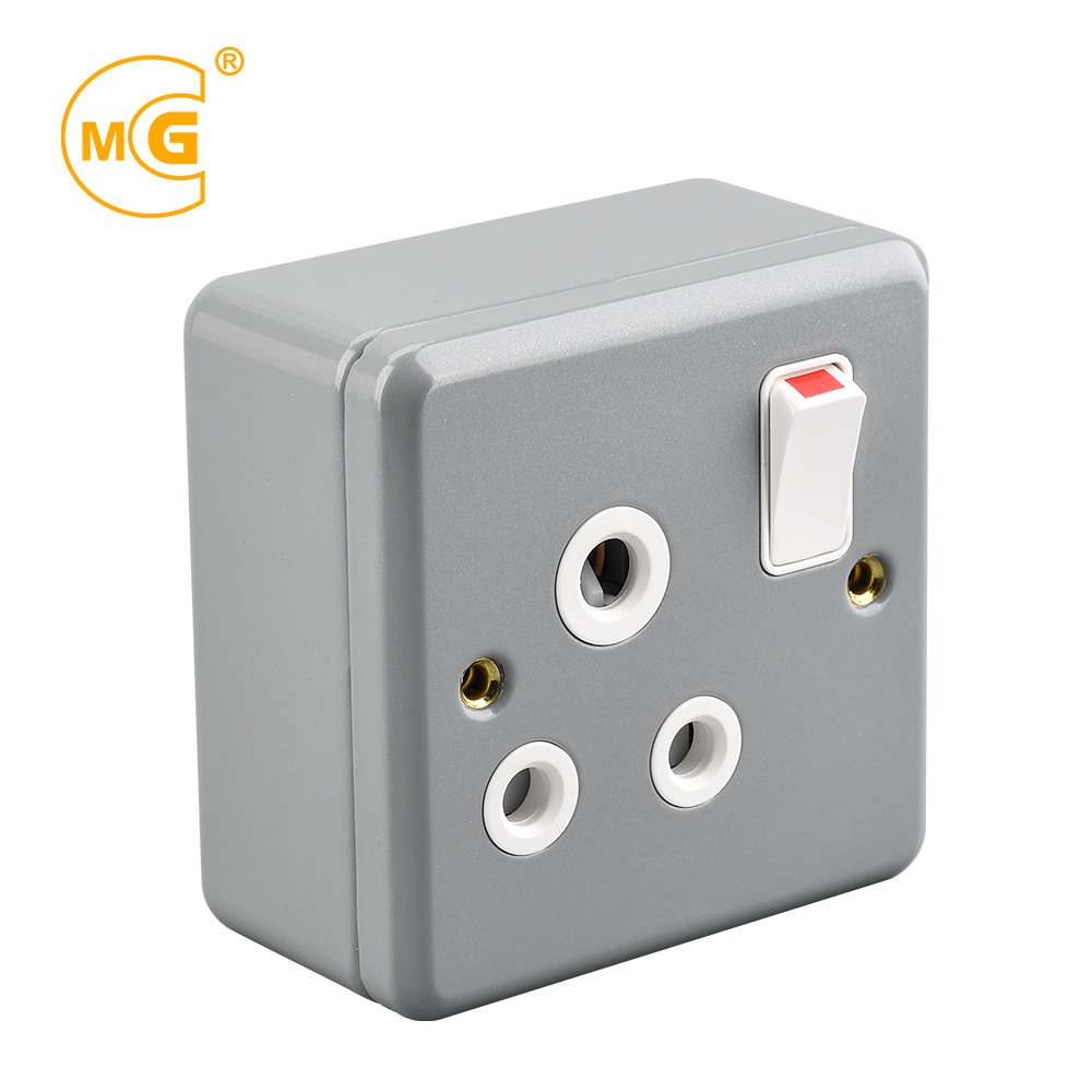 Confident Ip66 Waterproof Wall Outlet Wall Mounted Plug Adapter Socket With Switch Hot Home Appliances