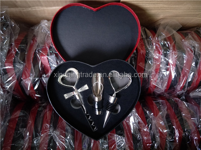 3pcs/set Wedding Wine Bottle Gift Set Wine Bottle Bar Tools Love Heart Shape Corkscrew Wine Opener Stopper Pourer Set
