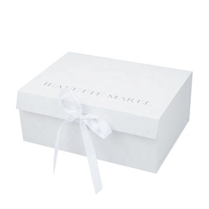 Customized logo Luxury design cosmetic candy chocolate packaging folding small white paper wedding gift cake storage box