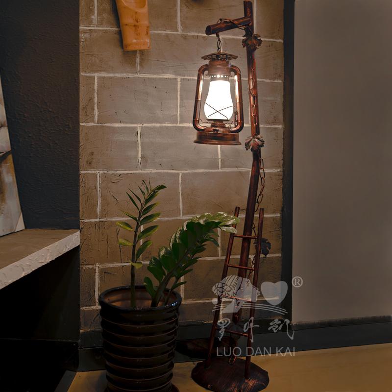 Chinese Iron Horse Retro Bedroom Floor Lamp Lighting
