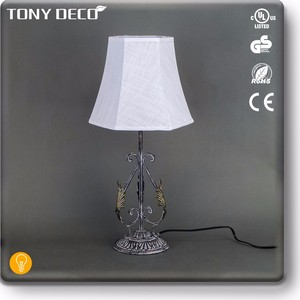 BAA65394 Flower Leaves Decorative Small Table Lamp For Home Decoration