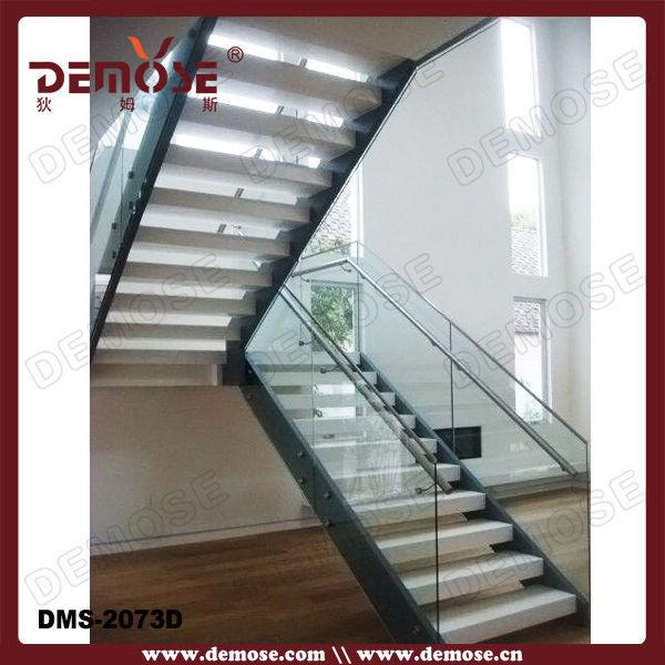 diseos de escaleras exteriores con peldaos de madera y barandas de vidrio para la pequea casa