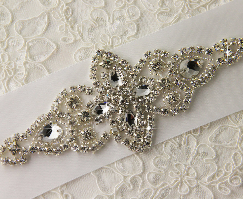 New fashion style crystal embellishments rhinestone applique for sale