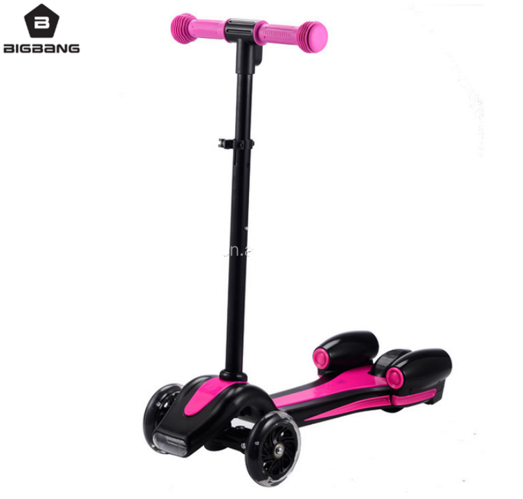 BIGBANG HANGZHOU 2017 New scooter electric flashing 3 wheels kids kick scooter with sprayer