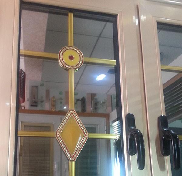 Diy ventana de reemplazo con parrilla de ventana for Ventanas de aluminio color bronce