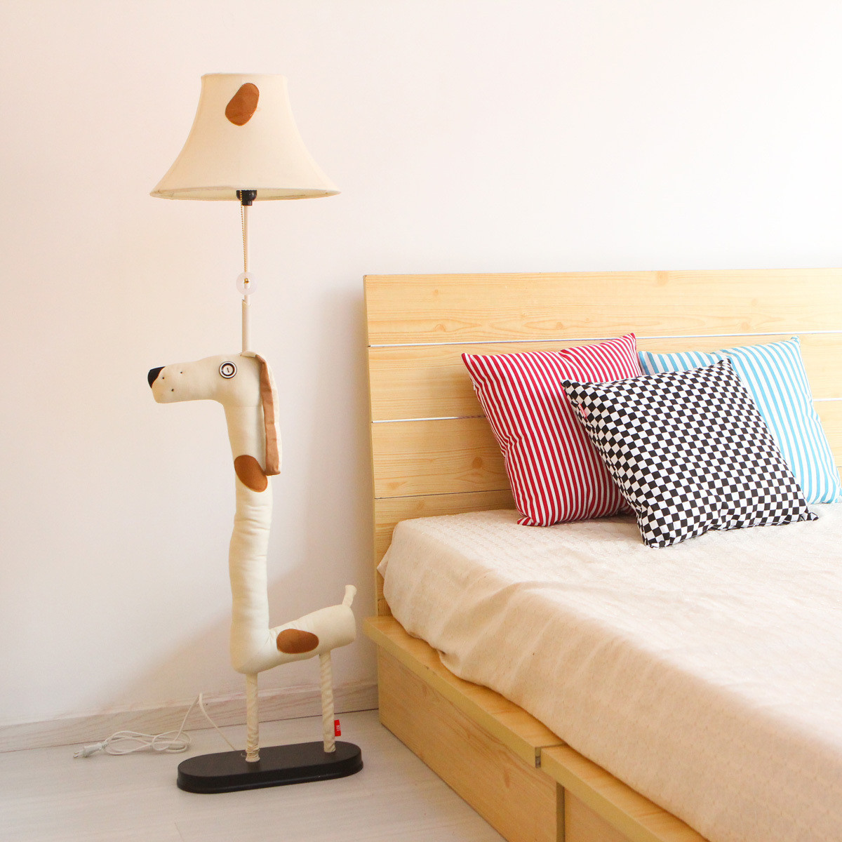 Room Lamps Bedroom: Cottage Brief Modern Cartoon Floor Lamp Bedroom Lamp