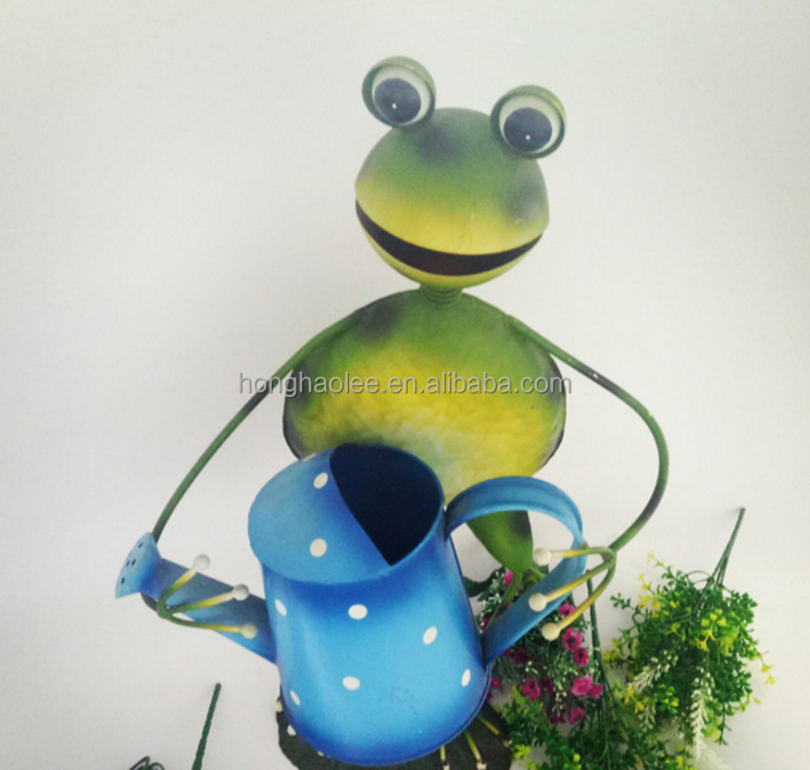 Home & Garden Novelty Green Metal Garden Stake With Frog And Watering Can Bird & Wildlife Accessories
