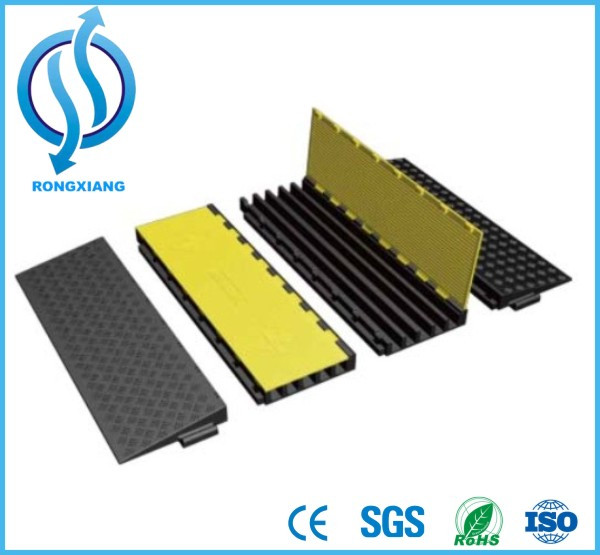 AMS 900*500*60mm 3 Channel Rubber Floor Cable Protector