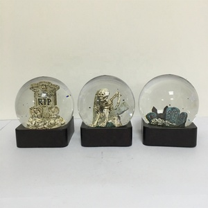 100mm Dia Plastic Polyresin Water Glitter Halloween Water Snow Globe with skeleton graveyard tombstone scene