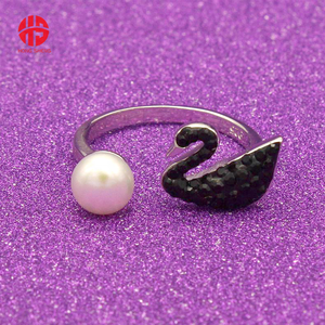 Trendy Black CZ Crystal Swan s925 Silver Open Ring With Pearl