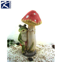 Garden decoration magnesia frog mushroom figurine