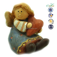 2015 resin little Xmas angel doll with heart Christmas angel figurines
