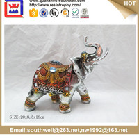 Resin Walking Elephant Statue for Home or Garden Decoration