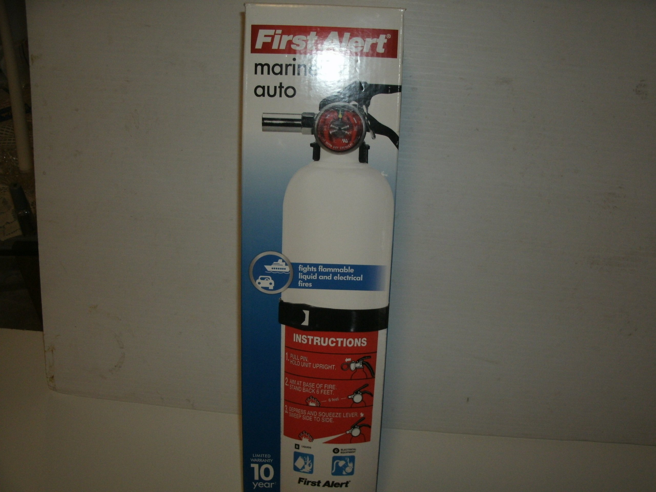 First Alert Automar10 Boat & Home Fire Extinguisher UL Rated 10-B: C, White
