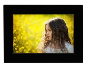 Simple Design Black Wood Table Photo Frame to Display 4x6 Picture
