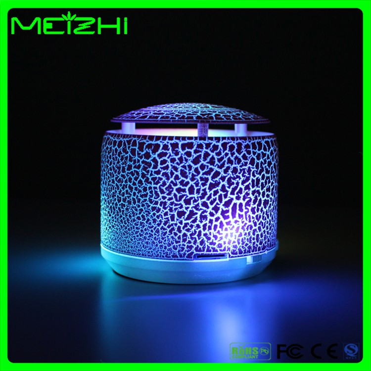 Wireless unique colorful light USB speaker <strong>bluetooth</strong> with AUX