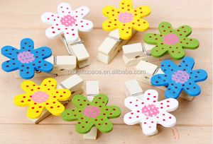 2018 hot sale 100% natural eco friendly handicraft beautiful flowers clothespins mini wooden clips