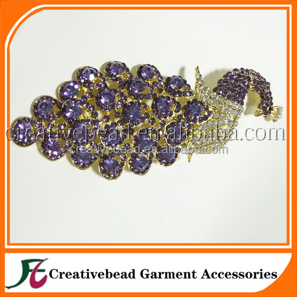 RARE Vintage noble purple Rhinestone Enamel peacock Pin Brooch