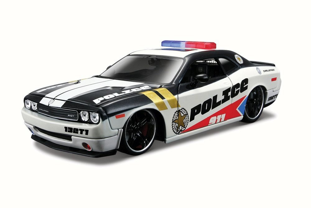 Dodge Challenger Police, White and Black - Maisto 31342 - 1/24 Scale Diecast Model Toy Car