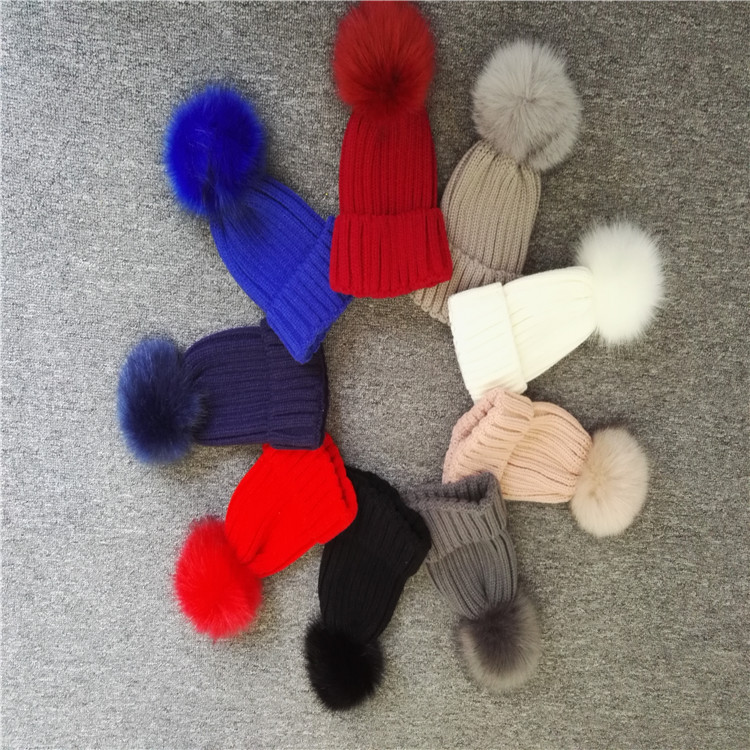 Knitted Real Fur Bobble Hats Women Winter Caps 2017 New Girls Sex Fashion Hats Caps Apparel Accessories