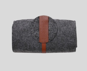 Least MOQ custom logo wholesale felt glasses case