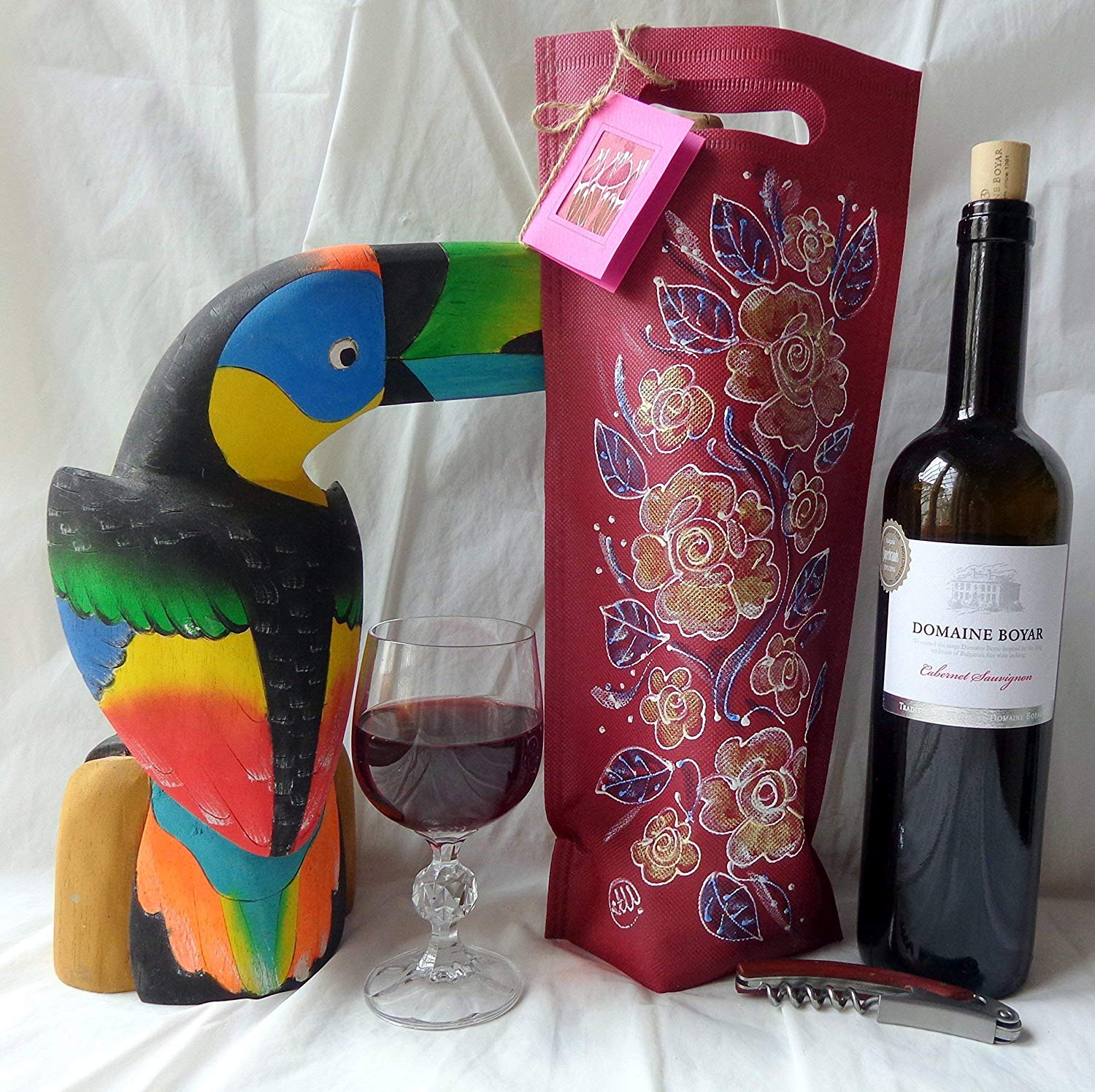 Sale!!!10% Off,Hand painted wine gift bag made of textile cloth red, A romantic way to present your gift bottle of wine,Vine bag,Bottle bag,Wine Tote Bags Roses.