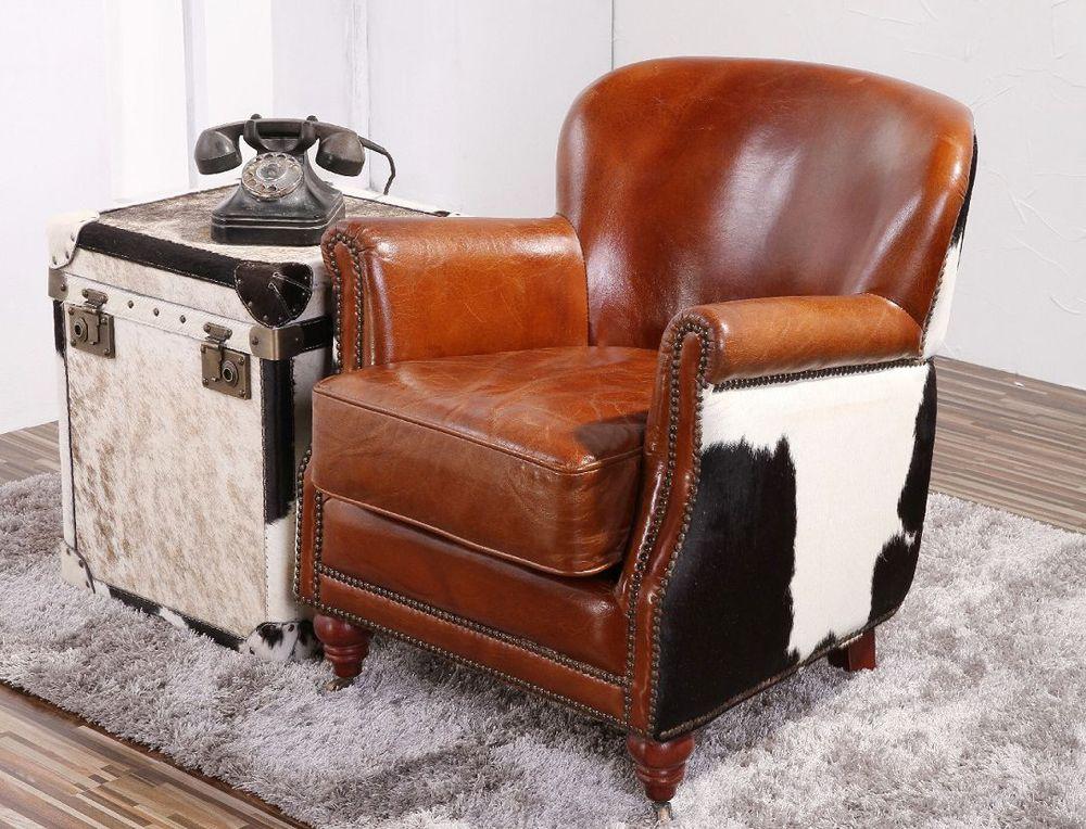Luxe Interieur Inrichting : Grote comfortabele fauteuil met een rustieke inrichting voor luxe