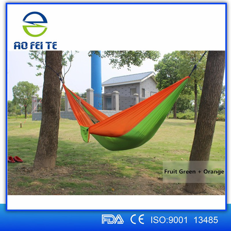Lightweight Portable Nylon Parachute 2-Person Hammock with Straps & Steel Carabiners