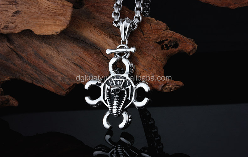 2015 Men Heavy metal Stainless Steel glasses Necklace Silver Black Scorpion King Knight naja pendant