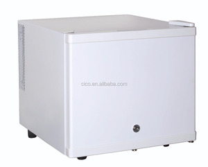 White color mini bar fridge 17L Mini Fridge Table Top Small Drinks Beer Cooler Bar Freezer