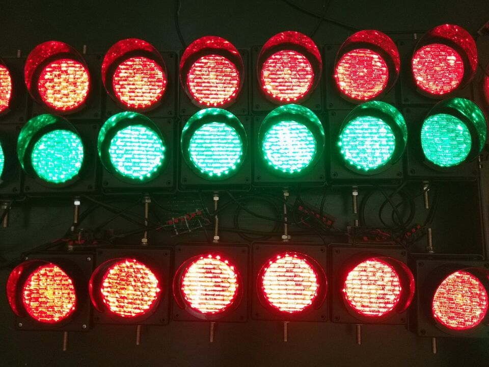 2019 hot sale 100mm red green traffic warning light