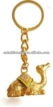 Fashionable Rhinestone Bejewelled Pewter Golden plated Alloy Camel metal keychain