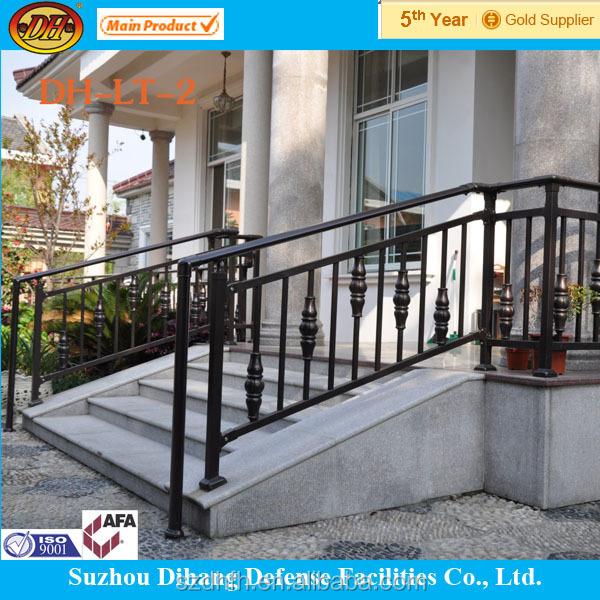 Decoratieve moderne trap leuning ontwerp met een laag bedekt poeder verzinkt stalen balusters - Ontwerp leuning ...