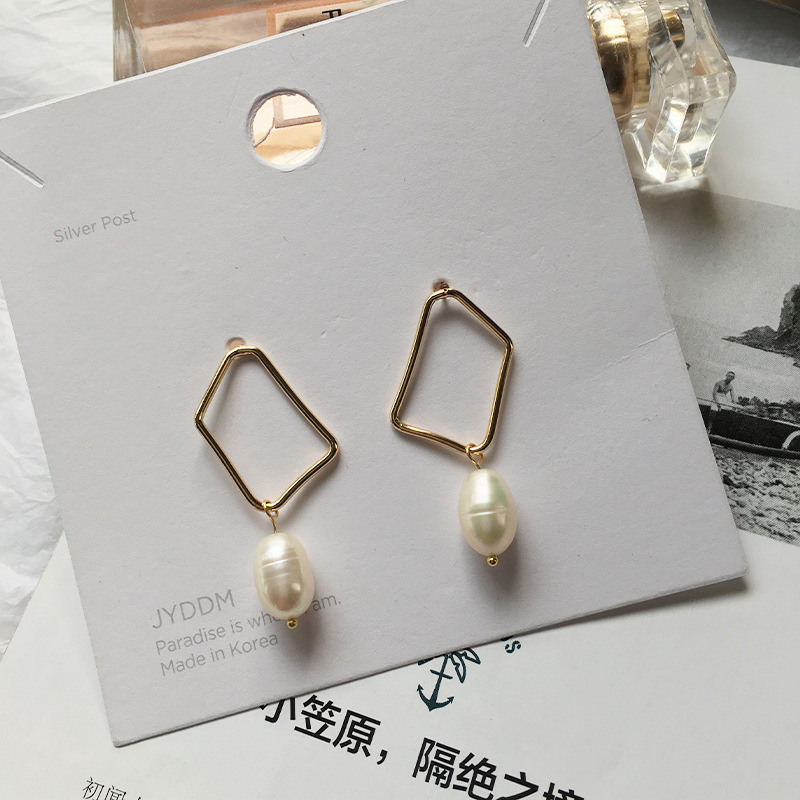 New Arrival Fashion Creative Jewellery 18K Real Gold Plated Hollow Geometric Earrings with Imitation Pearl Pendant, Same as picture