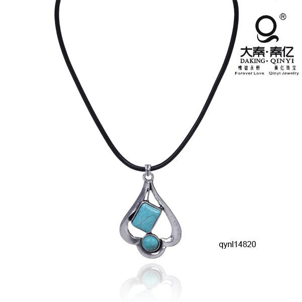 Turquoise stone and alloy parts jewel leather rope necklace