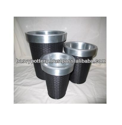 New design Round PE Rattan with inner zinc Flower Pot, Set of 3
