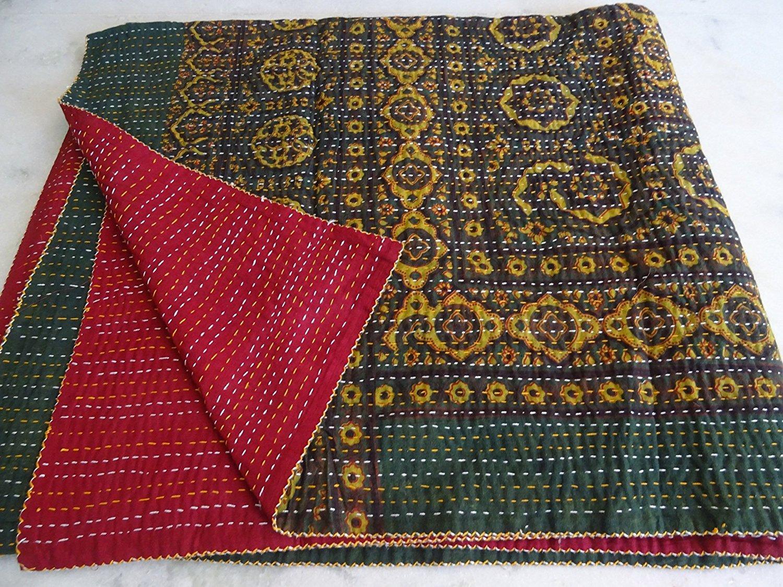Queen Size Ikat Kantha Quilt, Reversible Bedcover Bedding Indian Throw, Kantha Quilt, Bohemian Kantha Bedspread, Indian Kantha Decor 003
