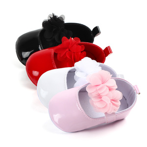 Beautiful flower design bright leather baby girl shoes