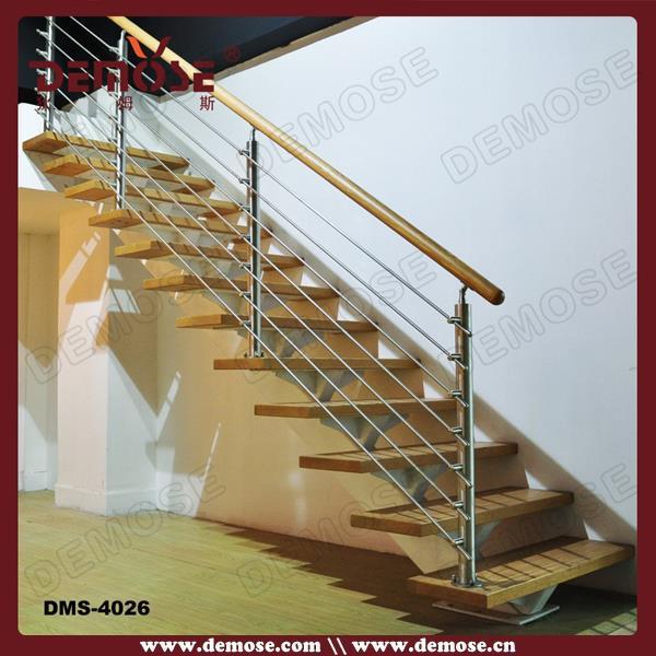 interior diseo de la escalera de madera de acacia