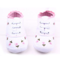 2015 Elegant Baby Shoes 2 Colors Little Lace Embroidered Cotton Shoes Soft Bottom Baby Girl Shoes