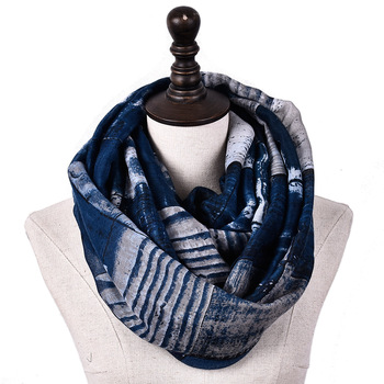 Cenrui Classic Plaid Infinity Scarf, Elegant Patten, Rayon Soft,Mid-weight for All season