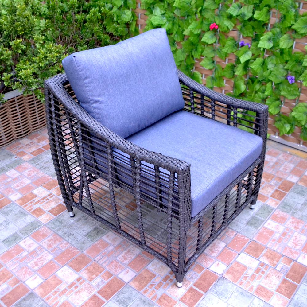 Rattan garden sofa.jpg