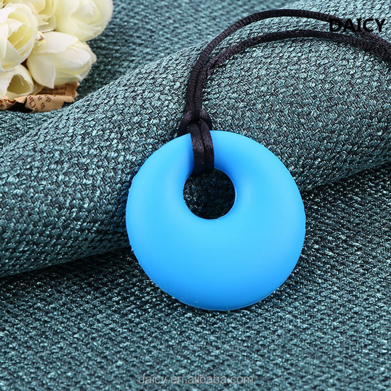 DAICY cheap wholesale simple candy colors round children health silicone teething pendant
