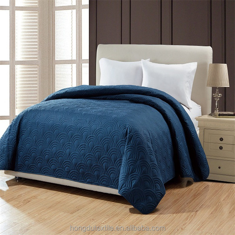 Wholesale cheap quilt set blue embossing summer air conditioning quilt